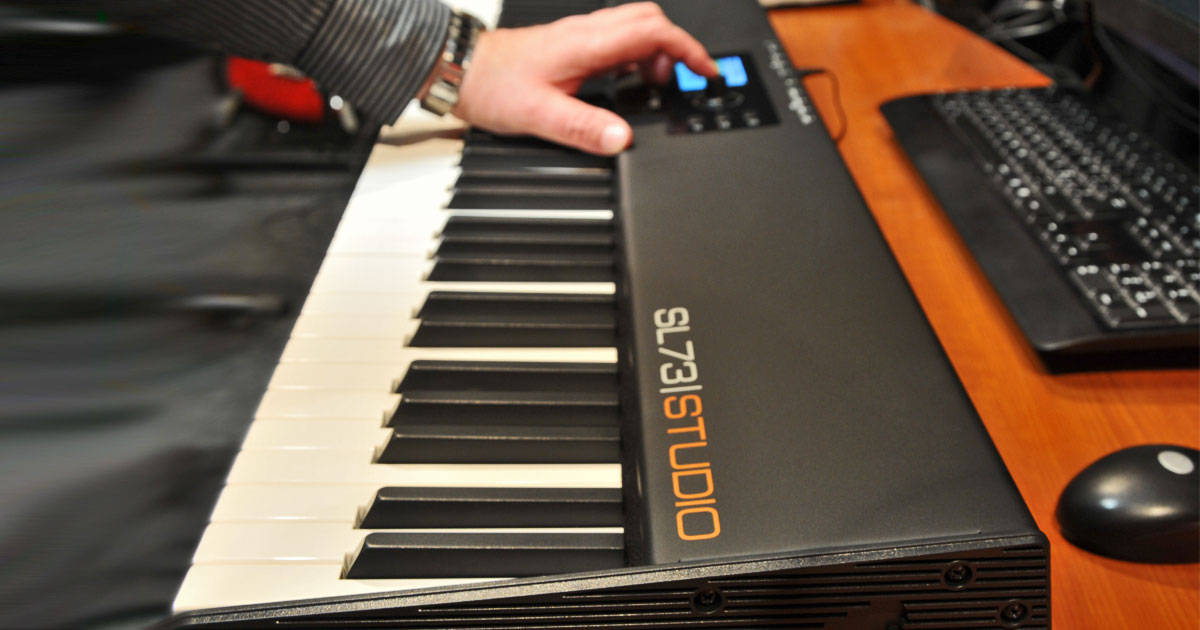 Studiologic SL 73 Studio la soluzione compatta per il controllo MIDI-USB avanzato in studio e dal vivo
