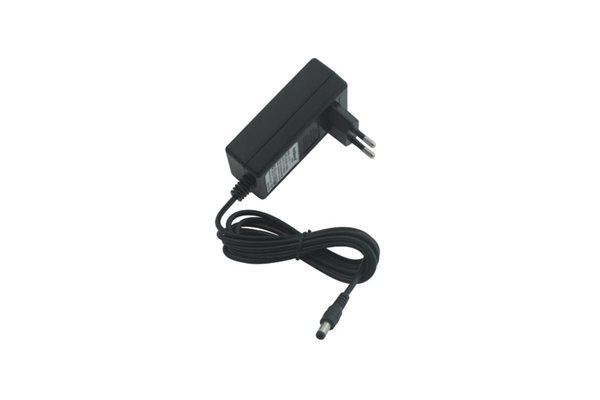 Rockgear - RP NT 13 RockPower Alimentatore Switching 9V DC 2000mA