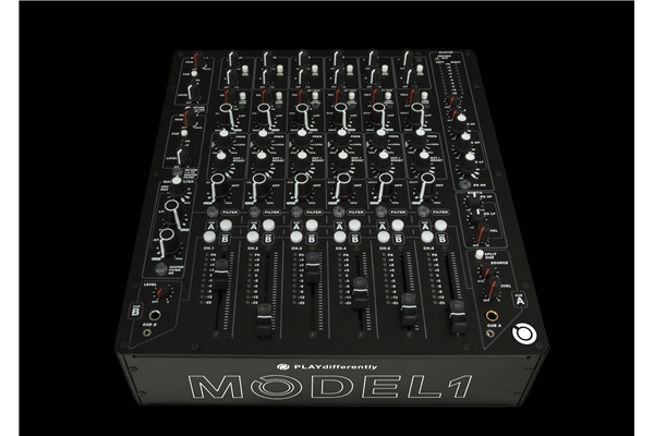 PLAYdifferently MODEL 1: Completamente analogico, costruito senza compromessi, con un layout estremamente intuitivo il mixer MODEL 1 è stato progettato dall'ingegnere Andy Rigby-Jones in collaborazione con il noto DJ e produttore Richie Hawtin.