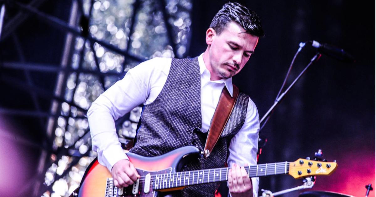 Edoardo Giunchi è un endorser Eko Guitars