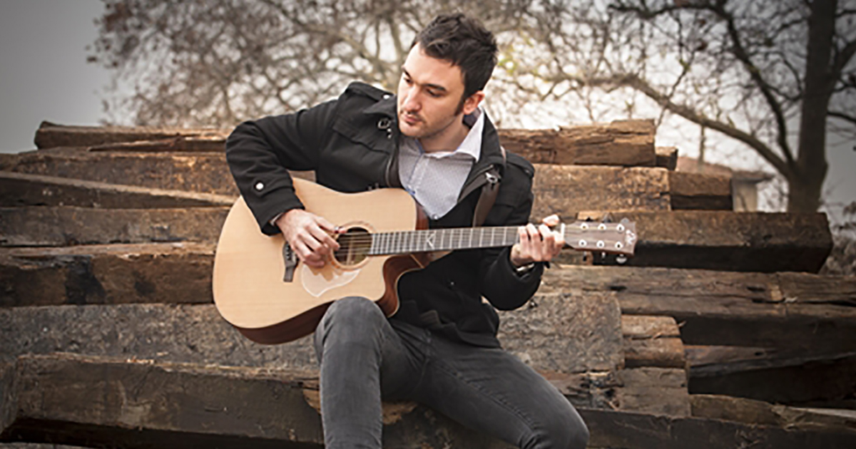 Lorenzo-Favero-Eko-Guitars