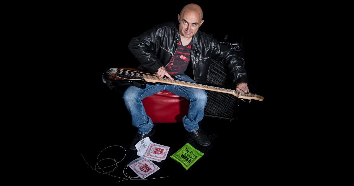 Lorenzo Poli sceglie le corde Ernie Ball per il suo basso elettrico