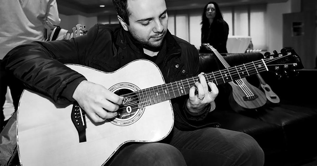 Stefano-Giulianelli-Eko-Guitars