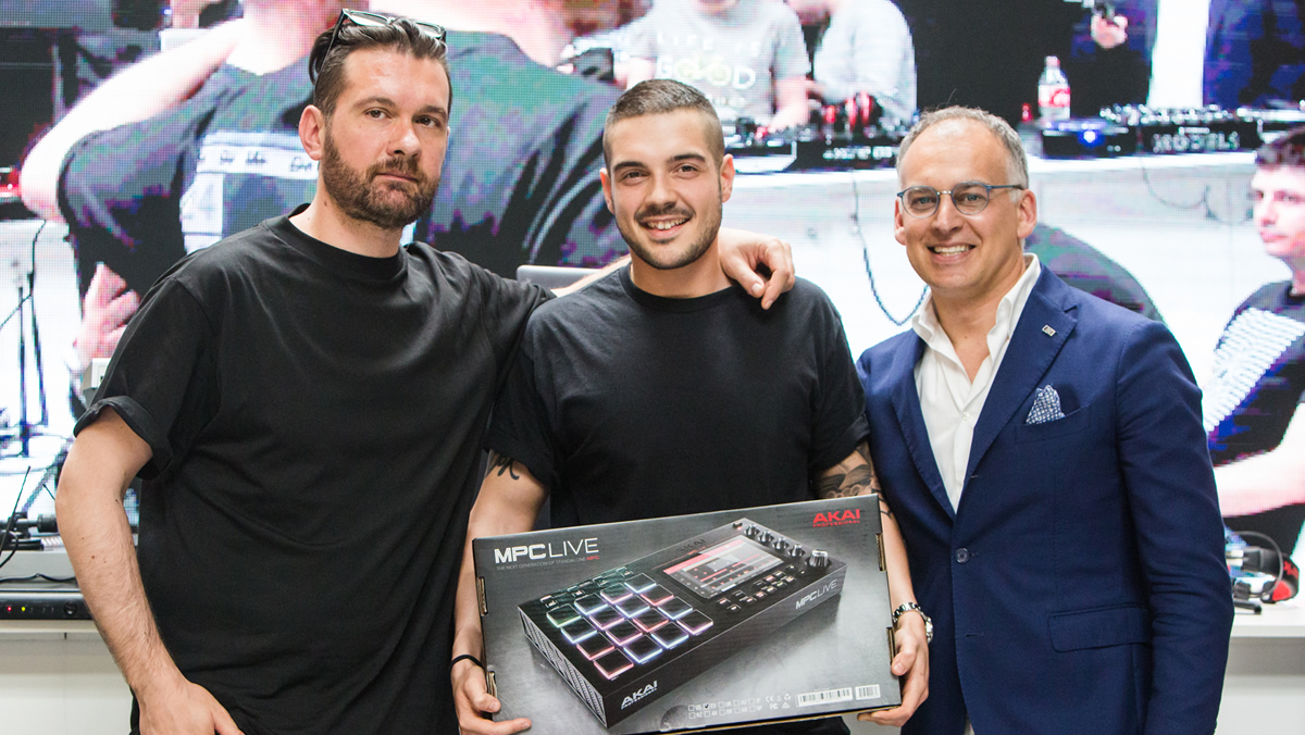 ANDREA MARTINI HA VINTO IL DJ & PERFORMER CONTEST PATROCINATO DA EKO MUSIC GROUP E MUSIC INSIDE RIMINI